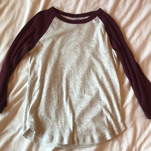 gray and burgundy baseball tee